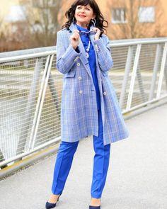 KLEIDERSCHRANK-CHECK für gute Laune - Martina Berg - Lady 50plus Instagram Ladies, Mode Inspiration, Lady, Raincoat, Denim, Jackets, Berg, Outfits, Madeleine