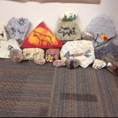 Stone Age Rock Wall Art// explain how this was how they told stories. rocks were like the books we read today. they told about their life Stone Age Ks2, Early Humans, School Displays, Forest School, Ice Age, Bronze Age, Art Activities, Elementary Art, Art History