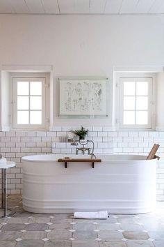 Modern Farmhouse Bathroom Remodel Ideas – Page 21 – Home Decor Ideas Guest Bathroom Remodel, Bath Remodel, Bathroom Remodeling, Remodeling Ideas, Restroom Remodel, Shower Remodel, House Remodeling, Bad Inspiration, Bathroom Inspiration