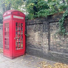 This little library in London makes me so happy