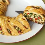 """Fresh veggies, cooked chicken, spinach and fontina cheese are enclosed in a puff pastry """"braid"""" and baked until golden brown. Puff Pastry Ingredients, Puff Pastry Recipes, Yummy Appetizers, Appetizer Recipes, Phyllo Appetizers, Puff Pastry Chicken, Pastry Shells, Toasted Pecans, Spinach Stuffed Chicken"""