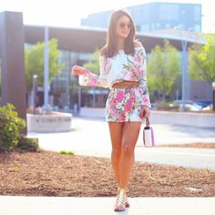 LOOK OF THE DAY: FLORAL ROMPER AND FLATS - Super Vaidosa