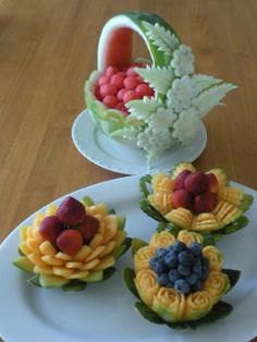 Image detail for -thai fruit and vegetable carving adds beauty and immense… Fruit Sculptures, Food Sculpture, Veggie Art, Fruit And Vegetable Carving, Veggie Food, Fruits Decoration, Food Decorations, Amazing Food Art, Fruit Creations