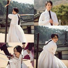 Kim So Hyun looks like a fierce goddess in latest stills from Ruler: Master of the Mask
