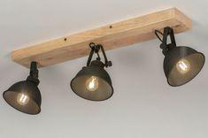 artikel 13194 Stoere, sfeervolle plafondlamp voorzien van drie spots, uitgevoerd in een gitzwarte kleur en een houten plafondplaat. Deze plafondlamp heeft een armatuur dat is uitgevoerd in een stoere, diep zwarte kleur. Bijzonder hierbij is de afwerking van de drie kappen zelf. De kappen zijn voorzien van een ruwe, korrelachtige bewerking waardoor de zwarte kleur extra diepte krijgt. De plafondplaat is gemaakt van hout en is blank uitgevoerd. Deze plafondspots zijn zowel draai- als… Led E14, Aluminium, Track Lighting, Ceiling Lights, Home Decor, Kitchen, Home, Lighting, Light Fixtures