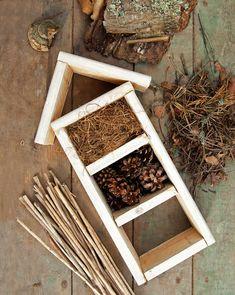 Hyönteishotelli   Meillä kotona Autumn Crafts, Nature Crafts, Hotel Flowers, Bug Hotel, Home Vegetable Garden, Garden Pests, Garden Structures, Dollar Store Crafts, Outdoor Projects