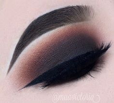 Smokey eye using kat von d Shade+Light eyeshadow palette