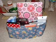 Sewing Bags For Women Simple Things, Sweet Life: One Hour Purse Organizer Sewing Hacks, Sewing Tutorials, Sewing Patterns, Purse Patterns, Sewing Ideas, Fabric Crafts, Sewing Crafts, Sewing Projects, Diy Projects