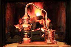 CopperGarden® Mini Alembic Table Top Still (www.destillatio.eu)
