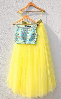 Skirt Outfits Indian Crop Tops Products Best Ideas Skirt Outfits Indian Crop Tops Products Best Ideas This. Crop Top Set, Skirt Crop Top, Yellow Crop Top, Indian Wedding Outfits, Indian Outfits, Indian Designer Outfits, Designer Dresses, Crop Top Elegante, Indian Crop Tops
