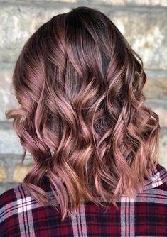 Summer hair colour trends to know for from blonde to brunette, rose gold, pink and even dark, black hair colours - Hair Color Brown Ombre Hair, Brown Hair Balayage, Brown Hair With Highlights, Ombre Hair Color, Light Brown Hair, Purple Hair, Color Highlights, Dark Brown, Rose Gold Brown Hair