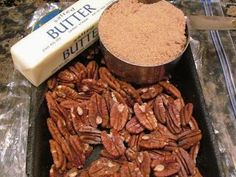 Pecan Pie Bread Pudding, recipe combination of bread pudding and pecan pie. Pecan Pie Bread Pudding, Pudding Cake, Bread Puddings, Types Of Pudding, Pastry Art, Baking And Pastry, Cinnamon Rolls, Just Desserts, Cooking Recipes
