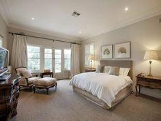 Hálószoba semleges hangokkal Tan Bedroom, Neutral Bedrooms, Bedroom Carpet, Bedroom Wall, Bedroom Decor, Bedroom Ideas, Master Bedroom, Trendy Bedroom, Master Suite