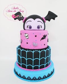 "Ateliê Artes da Taty on Instagram: ""Bom diaaaaa com essa vampirinha fofa . . . #vampirina #festavampirina #vampirinacake #bolovampirina #catalogodeideias #arrasandonafesta…"" Halloween Theme Birthday, Third Birthday, 3rd Birthday Parties, Birthday Celebration, Vampire Party, Cake Creations, Barbie, Party Cakes, Amazing Cakes"