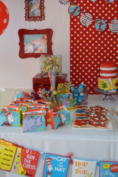 Dr Seuss Birthday Party table decorations