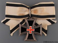 Honour Cross for Ladies & Young Ladies 1870-71   eMedals