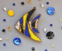 """Броши ручной работы. Ярмарка Мастеров - ручная работа. Купить Брошь """"Морские витражи"""". Handmade. Рыба, позитив, яркий, бисер"""