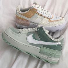 All Nike Shoes, Nike Shoes Outfits, Hype Shoes, Running Shoes, Shoes Jordans, Air Force Shoes, Nike Shoes Air Force, Casual Sneakers, Sneakers Fashion