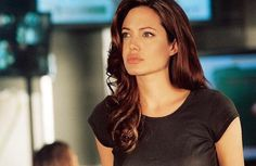 Hair Styles For School Angelina Jolie with different make-up and hair color from me, … 90s Hairstyles, Pretty Hairstyles, Angelina Jolie 90s, Angelina Jolie Hairstyles, Angelina Jolie Quotes, Pretty People, Beautiful People, Beautiful Celebrities, Girl Crushes