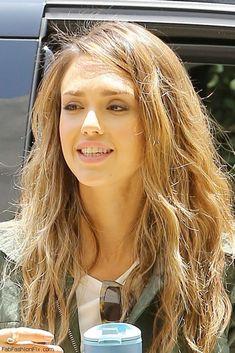 Loving Jessica Alba soft brown wavy hair
