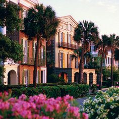 Charleston (Right by the ocean front!)