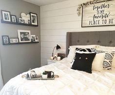 40 Modern Farmhouse Bedroom Ideas 19