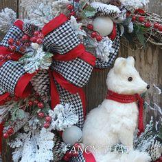 Arctic Fox Winter Wreath