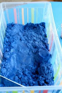 Domestic Charm: DIY Moon Sand 4 cups sand 2 cups cornflour 1 cup water (and colour) Diy For Kids, Cool Kids, Crafts For Kids, Diy Crafts, Day Camp Activities, Preschool Activities, Diy Moon Sand, Toddler Fun, Working With Children