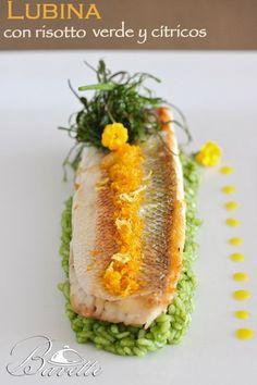 Lubina con risotto verde y cítricos