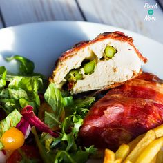 This Low Syn Mozzarella and Asparagus Stuffed Chicken is a firm family favourite! Perfect for Slimming World Extra Easy or SP plans Chicken Asparagus, Asparagus Recipe, Healthy Cooking, Healthy Eating, Cooking Recipes, Healthy Recipes, Healthy Food, Free Recipes, Kitchens