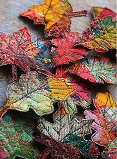 Buyers With Arts And Crafts Textile Decorative Leaves With - Buyers With Arts And Crafts Textile Decorative Leaves With Pattern Crochet Projects Fabric Art Fabric Crafts Fiber Art Quilts Textile Fiber Art Textile Artists Thread Painting Thread Art Circl # Art Fibres Textiles, Textile Fiber Art, Fiber Art Quilts, Textile Artists, Motifs Textiles, Textile Jewelry, Fabric Jewelry, Jewellery, Sewing Art