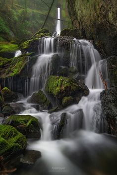 Tunnel Falls - Vancouver Island by Gavin Hardcastle - Fototripper Vancouver Island, Canada Vancouver, Vancouver Seattle, Waterfall Scenery, Places To Travel, Places To Go, Vancouver Photography, Parc National, Canada Travel