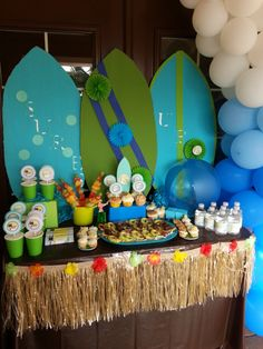 Hunie Do Events's Summer / Summer Pool Party - Photo Gallery at Catch My Party Party Fiesta, Luau Party, Summer Parties, Summer Pool, Summer Surf, Teen Beach Party, Sommer Pool Party, Lilo E Stitch, Hawaiian Party Decorations