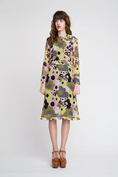 Orla Kiely lookbook for spring summer 16 photographed by Jessie Lily Adams Chiffon Dress, I Dress, Fashion Show, Fashion Outfits, Womens Fashion, Dress Up Boxes, Orla Kiely, Pretty Dresses, Fitness Fashion