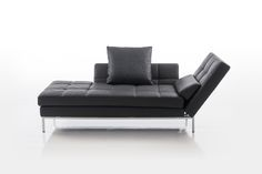 One of three chaiselongue of the Amber program from Brühl. Sofa Design, Interior Design, Couch, Outdoor Sofa, Outdoor Furniture, Outdoor Decor, Amber, Luxury, Living Room Ideas