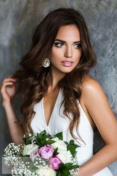 long wavy wedding hairstyle for long hair via Elstile - Deer Pearl Flowers / http://www.deerpearlflowers.com/wedding-hairstyle-inspiration/long-wavy-wedding-hairstyle-for-long-hair-via-elstile/