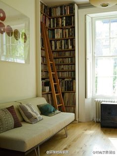 轉角的書架