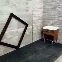 #ceramicauniversal #ceramicauniversalmarsella #bathroom #bathroomideas #bathroomdesign #nature #gray #keraben #saniker #tiles #tilesdesign by ceramicauniversalmarsella Bathroom designs.