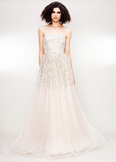 Nothing I imagine I'd wear to my wedding, but you can't deny that it's gorgeous.