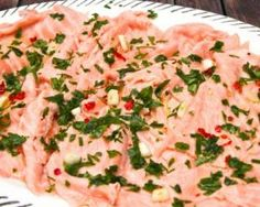 Carpaccio de saumon frais mariné au citron vert et pamplemousse : http://www.fourchette-et-bikini.fr/recettes/recettes-minceur/carpaccio-de-saumon-frais-marine-au-citron-vert-et-pamplemousse.html