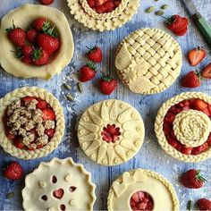 Experiencing serious pie envy over @cupcakeproject's gorgeous creations. What's your favorite pie filling? #foodandwine