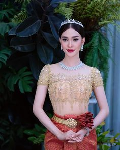 Wedding Costumes, Wedding Outfits, Khmer Wedding, Short Sleeve Dresses, Dresses With Sleeves, Traditional Wedding Dresses, Lace Corset, Cambodia, Shoulder Dress
