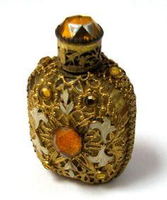 ВИНТАЖНЫЙ чешский довольно пустой духи бутылки цветочный Чехословакия богато УКРАШЕННЫЙ стекла и gt и gt in Антиквариат, Декоративное искусство, Стекло, Парфюмерные бутылочки | eBay