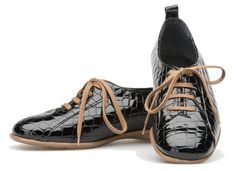 Palmroth shoe with laces black croco Black Laces, Comfortable Shoes, Sperrys, Spring, Sneakers, Bags, Beautiful, Fashion, Comfy Shoes