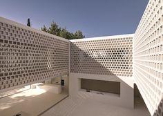 Gus Wüstemann   Los Limoneros house. White. Architecture. Design. Home. Pattern. Facade. Exterior.