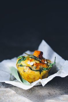 Root and spinach frittata muffins - Green kitchen stories Frittata Muffins, Vegetable Frittata, Spinach Frittata, Vegetarian Frittata, Mini Frittata, I Love Food, Good Food, Yummy Food, Vegetarian Recipes