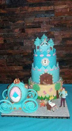 Docinhos da Cinda: Cinderela cake