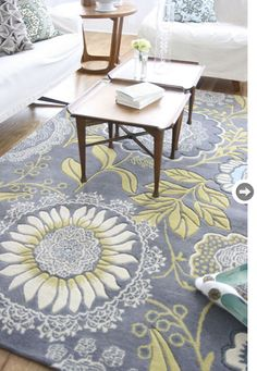 Love the colors in this Rug. Makes me think of Stephanie for some reason!