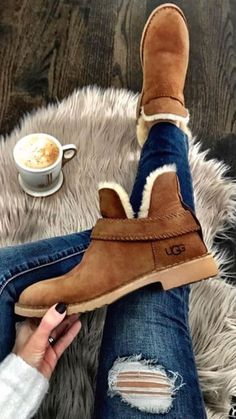winter outfits with uggs Top 45 Wonderful Winter Boots For Women Which Will Be Trend This Season Fashio Winter Fashion Boots, Winter Snow Boots, Winter Outfits, Fashion Shoes, Winter Clothes, Shoes For Winter, Fashion Outfits, Stylish Winter Boots, Best Winter Boots