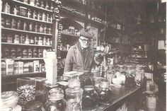 Afbeeldingsresultaat voor Delft oude winkels van vroeger